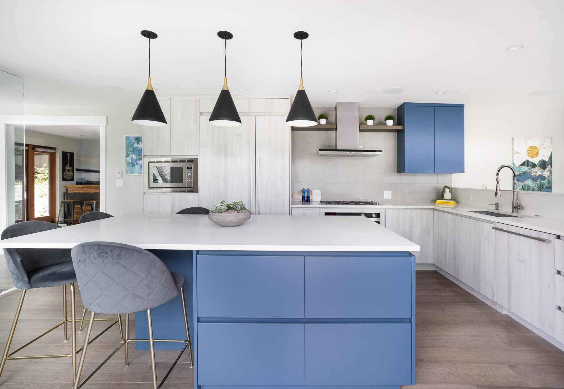 Kitchen with modern laminate cabinetry